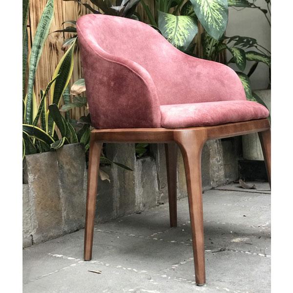 ghế gỗ cao cấp màu hồng bọc vải nhung êm ái