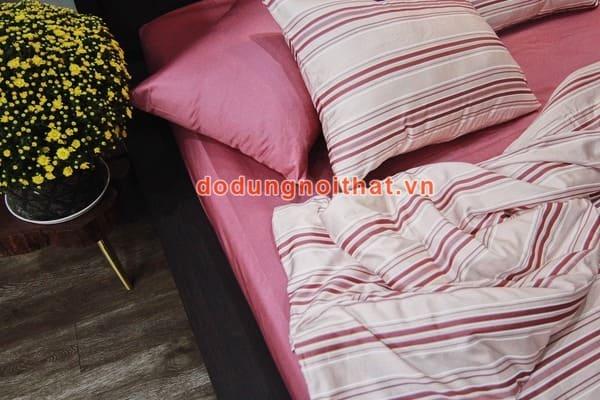 bộ chăn ga gối đệm màu trắng hồng phấn sọc ngang