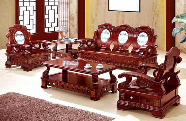 Bàn ghế sofa được làm hoàn toàn bằng gỗ tự nhiên