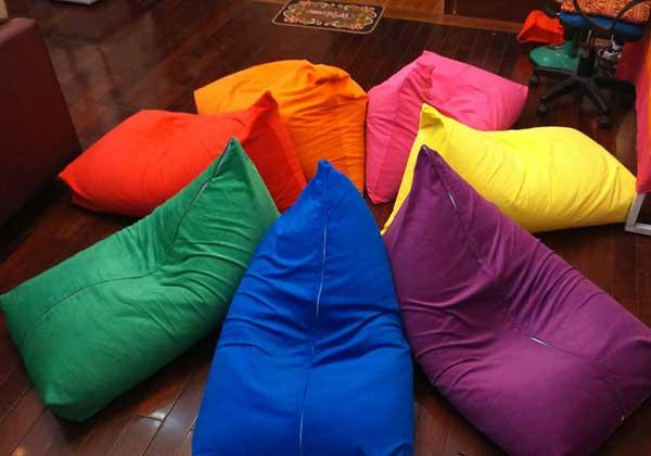 Gối hạt xốp có nhiều màu sắc