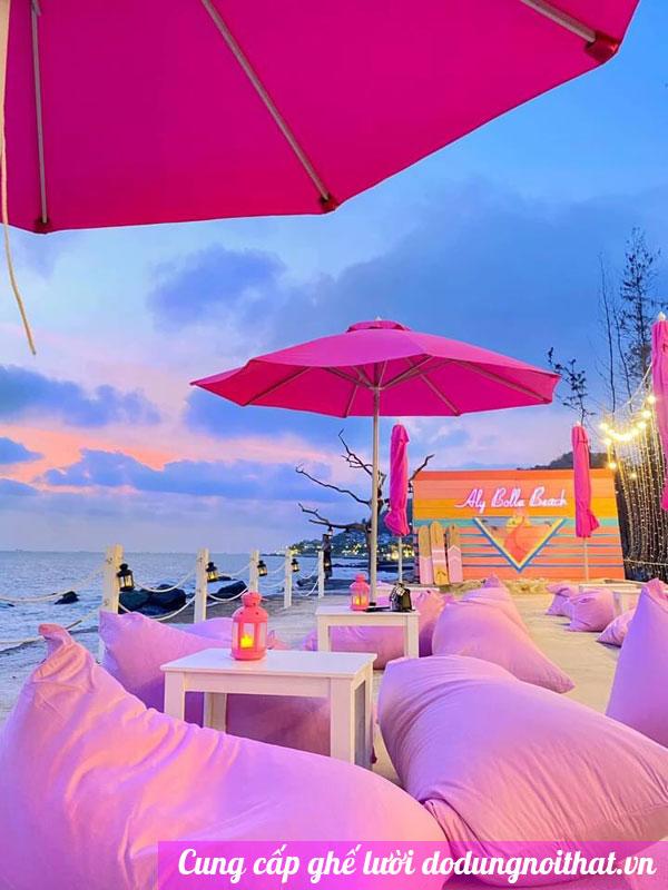ghế lười màu hồng tại vũng tàu
