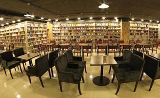 Hướng dẫn trang trí quán cafe chủ đề sách đẹp và thu hút