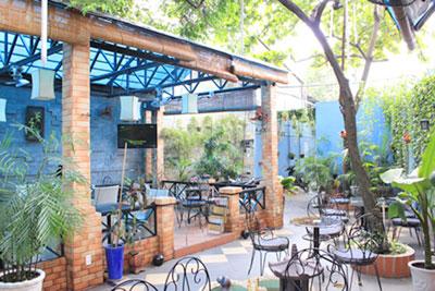 luu-y-khi-chon-ban-ghe-cho-quan-cafe