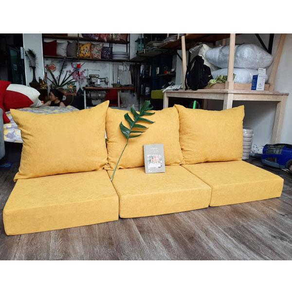 bộ nệm dày cho ghế gỗ màu vàng