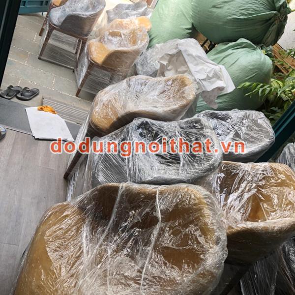 giao hàng bàn ghế cafe số lượng lớn tại tphcm