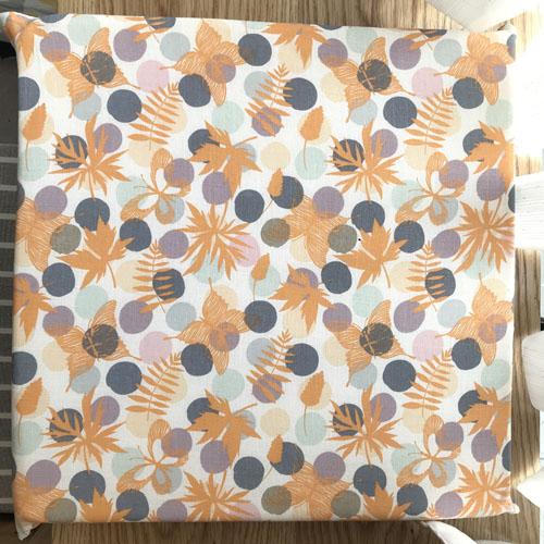 Nệm vải cao cấp chấm bi cam