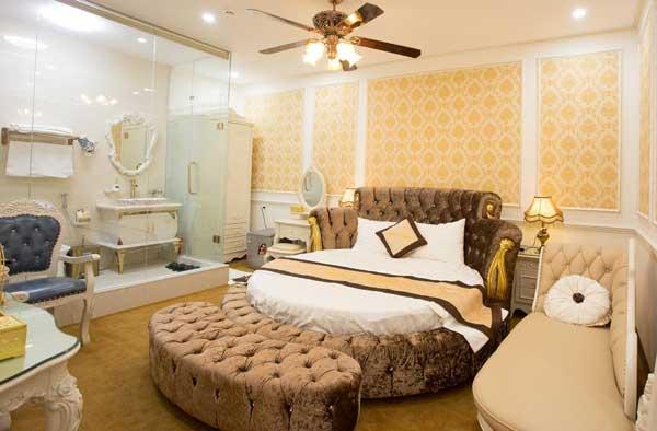 phòng ngủ khách sạn của từng căn phòng hạng sang