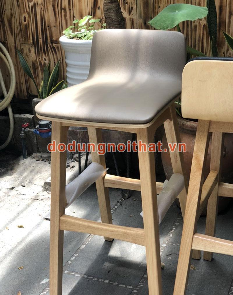 bán ghế quầy bar chân gỗ giá rẻ màu be