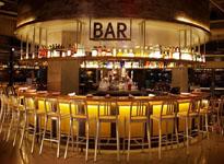 Tuyệt chiêu trang trí nội thất quầy bar đẹp thu hút